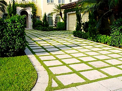 Example of how a paver driveway design can match your property.